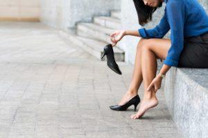 ハイヒール履くと夕方、脚が痛くなる